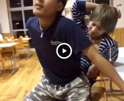 【Vine動画】スリム系男子のペニスは敏感!騎乗位ネタのつもりが本気で勃起しそうww