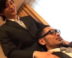 【ゲイ動画 pornhub】「触り方がやらしーんだけど笑」EXILE系イケメン上司とデスクでガン掘り!