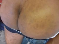 Macho pega bundudo passivo de jeito e soca fundo no danado