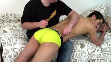 sls-carlo-woodenspoon-spanking_preview