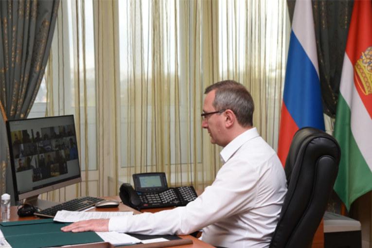 Владислав Шапша провел заседание регионального штаба по предупреждению завоза и распространения COVID-19