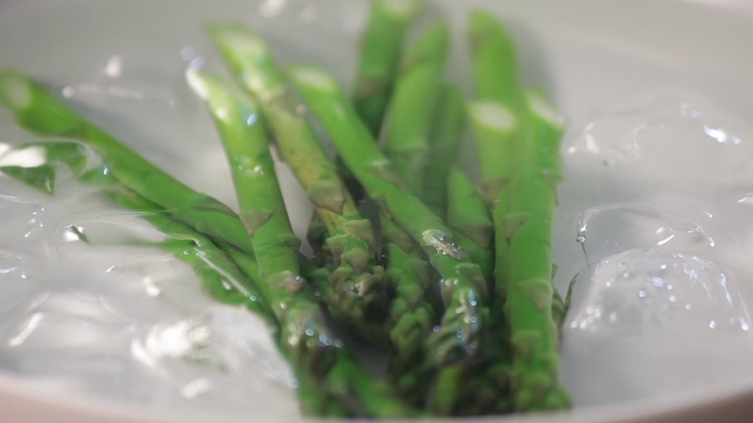White How To Blanch Asparagus British Chefs How Long Does Asparagus Last Urine How Long Does Asparagus Last Before Cooking houzz-03 How Long Does Asparagus Last