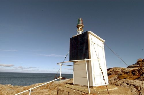 sunpanel-powered-lighthouse