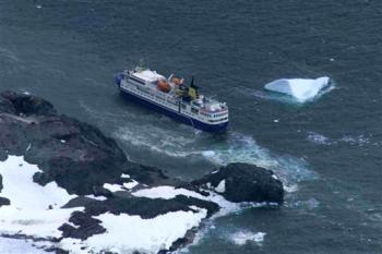 Ocean Nova aground in antarctica