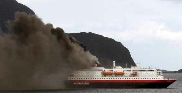 cruise-ship-Nordlys-fire