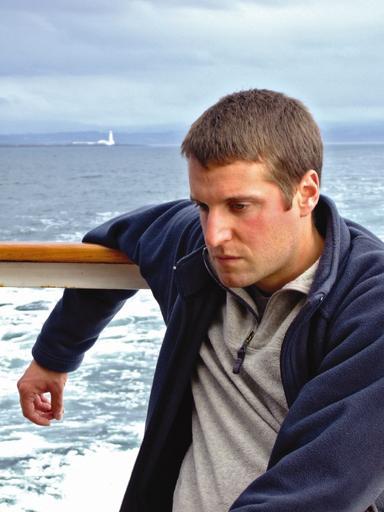 http://i1.wp.com/gcaptain.com/wp-content/uploads/2011/10/seasick.jpeg