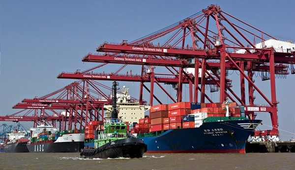 cranes, equipment, third party, ship, ships, Mumbai, India, APM Terminals