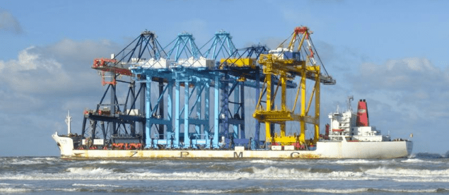 Zhen Hua 10 Beached