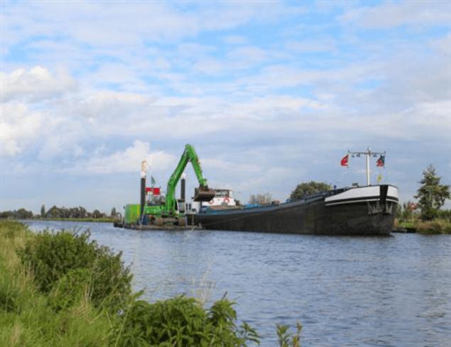 dike-dredging-holland