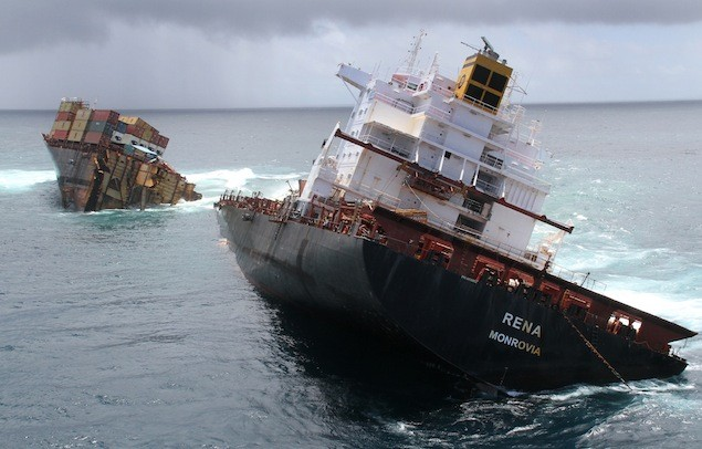 MV Rena after splitting in two in January 2012. Image: Maritime New Zealand