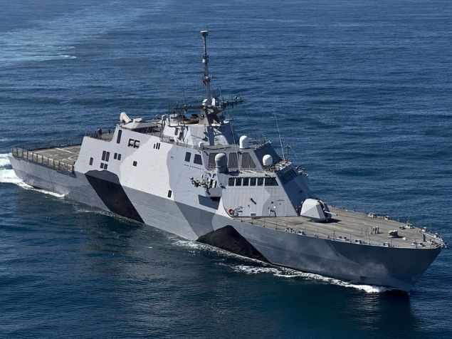 USS Freedom (LCS-1) shows off her new camouflage scheme on sea trials in February 2013 before her first deployment