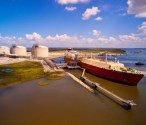 Mitsui Signs Over $3.6 Billion in LNG Carrier Charter Parties