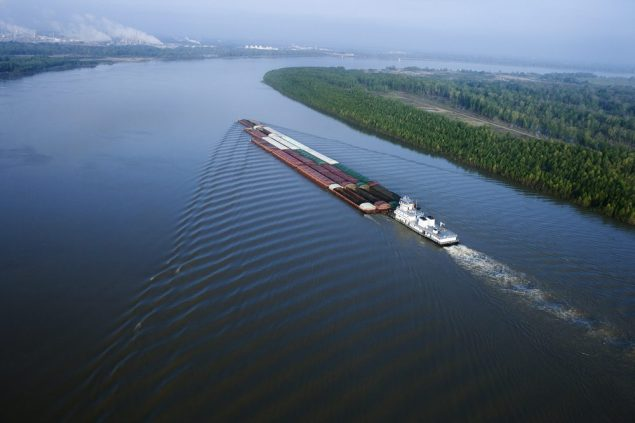 Barge shipping on the Mississippi River. Image via Shutterstock