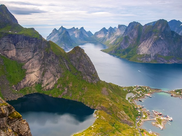 lofoten Reinebringen Moskenesoya landscape norway islands