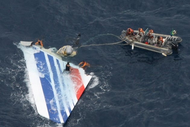 Brazil's Navy sailors recover debris from the missing Air France Flight 447 in the Atlantic Ocean in June 2009. Photo: Brazil Air Force