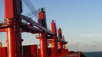 geared bulk carrier cranes macgregor