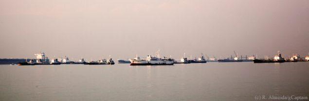 Singapore strait ships