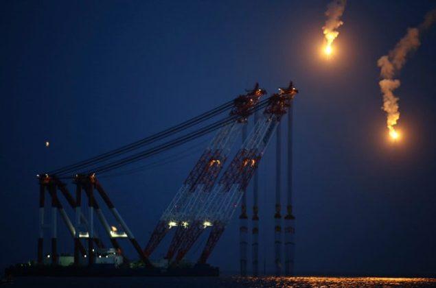 dsme crane ferry salvage sewol