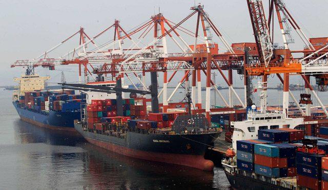 manila shipping cargo containerships