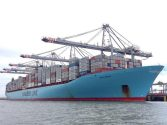 MV Edith Maersk Becomes Largest Ship to Navigate the River Thames – Photos and Video
