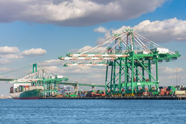 Port of Los Angeles. File Photo (c) Shutterstock/Rhonda Roth