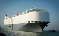 Car Carrier Hoegh Osaka Heads for Falmouth After Cargo Discharge