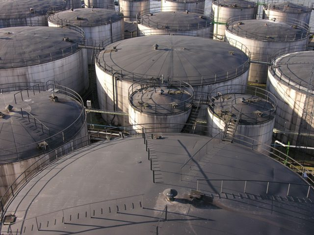 vopak oil storage tanks