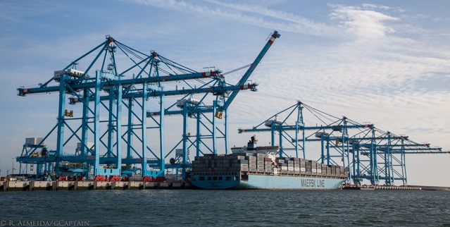 maersk klaipeda containership rotterdam apm terminals