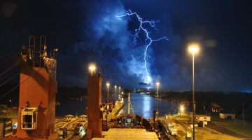 lightning-ship Panama Canal