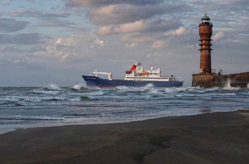 Departure Marion Dufresne - Damen Shiprepair Dunkerque - 28-07-15