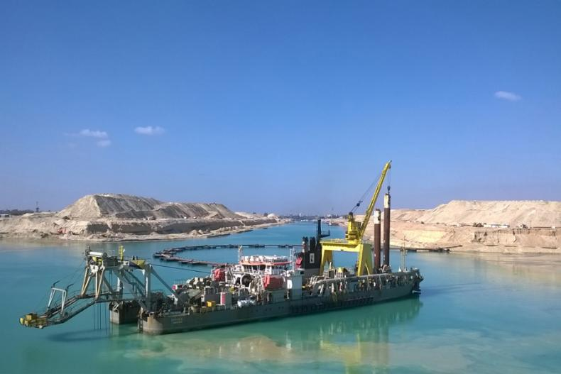 The Suez Canal expansion challenged Boskalis to dredge a 35-kilometers-long and 24-meters-deep shipping channel, an estimated 180 million cubic meters of material, in just one year. Photo: Boskalis