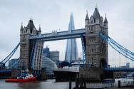 Ship Photos of the Day – Tower Bridge Escort