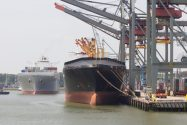 Rotterdam Dockworkers Plan Strikes