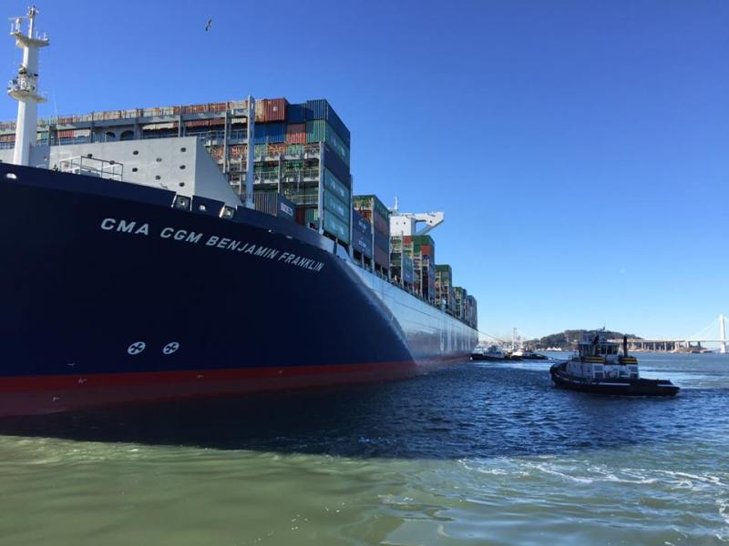The CMA CGM Benjamin Franklin arrives in San Francisco Bay, December 31, 2015. Photo: Mike Schantz