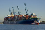 Hyundai Merchant Sees More Losses on Shipping Industry Glut