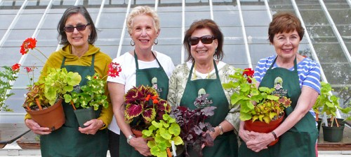 plant-sale-ladies-2015