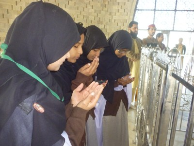 GCT Students Visit Quaid's Mausoleum