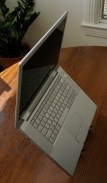 geardiary_cricket_laptop_stand_in_use_02