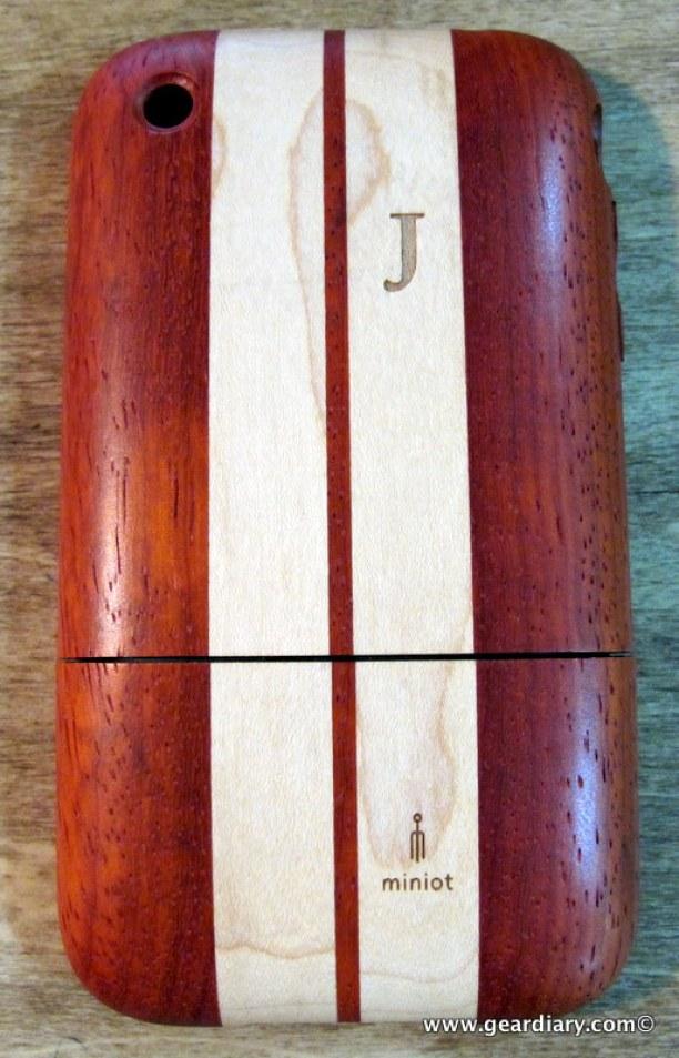 geardiary_miniot_iwood_cobra_wooden_iphone_case-4