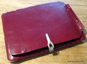 geardiary-orbino-padova-ipad-case-in-use-7