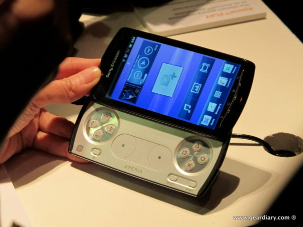 geardiary-chipchick-sony-ericsson-mobile-word-congree-pro-neo-play-82