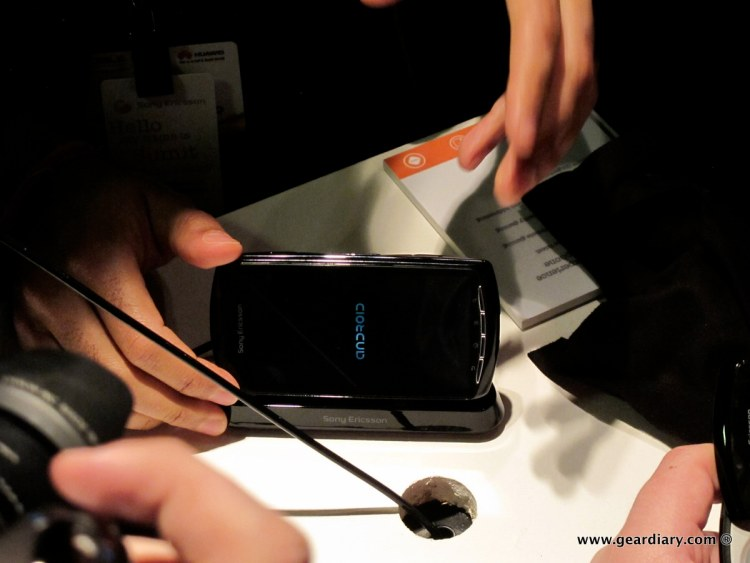 geardiary-chipchick-sony-ericsson-mobile-word-congree-pro-neo-play-87