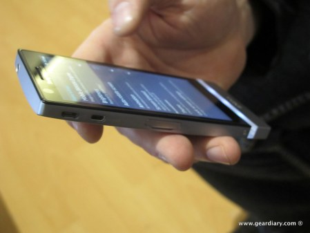 geardiary-sony-xperia-ion-and-xperia-p-mobile-phones-14
