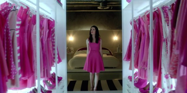 t_mobile_carly_pink_dress_closet