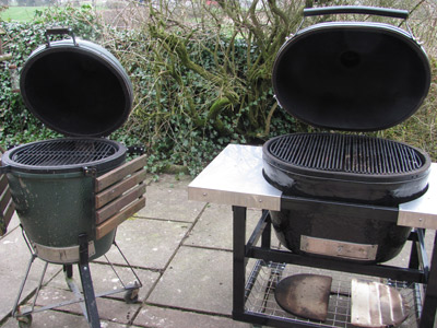 http://www.barbecue-smoker-recipes.com/primo-versus-big-green-egg.html