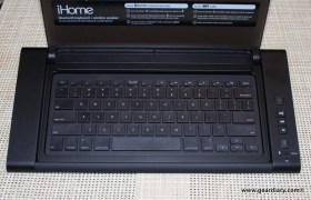 Gear-Diary-iHome-iDM5-Bluetooth-Keyboard-Speaker-System-004.JPG