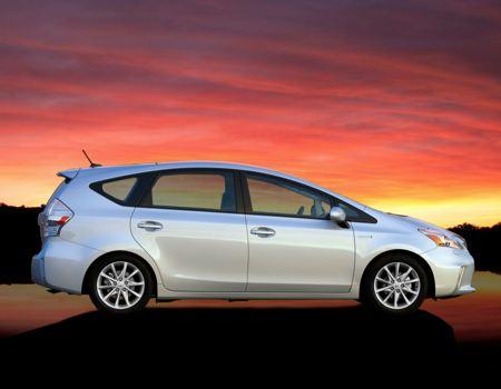 2013 Toyota Prius images courtesy Toyota