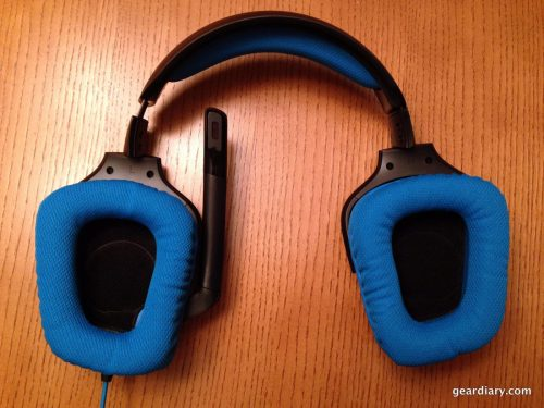 A view of the Logitech G430 earcups.