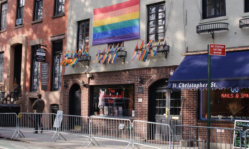 Stonewall_Inn,_West_Village_(6445657017)