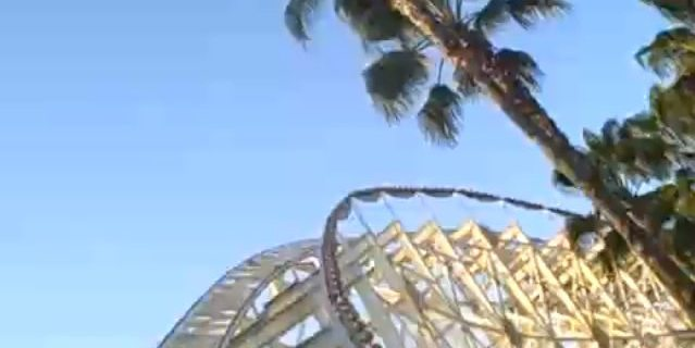California Screamin' Roller Coaster (Image by Ken Denmead)